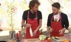 Рецепти на травневі: хот-дог зі смаженою рибою і салат з авокадо