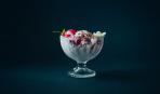 Самый романтический десерт- клубника со сливками (за 3 минуты)