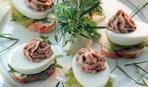 Яйца, фаршированные оливками и анчоусами