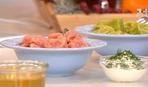 Руслан Сенічкін готує кольорові ліниві вареники в прямому ефірі Сніданку 1+1