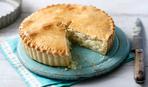 Економ-меню: пиріг з плавленим сиром та цибулею