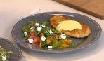 Севастян Фаге готує шніцель з соусом Голландез і салат з цитрусовими і сиром фета