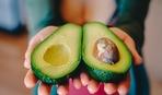 Как почистить авокадо и приготовить элементарный смузи