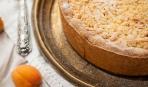 Тертый пирог с творожной начинкой и абрикосами - простой и вкусный