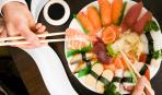Поведение за столом в японских ресторанах: 6 главных правил