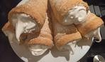 Что приготовить на десерт: слоеные трубочки с заварным белковым кремом