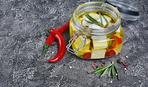 Интересные закуски: маринованный сыр