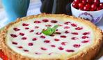 Что приготовить на десерт: простой пирог с вишней