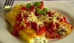 Маникотти с рикоттой и томатным соусом