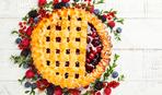 """Малиново-черничный пирог """"Ласка"""": простой рецепт с дрожжевым тестом"""