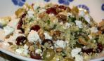 Салат из крупы с виноградом и фетой