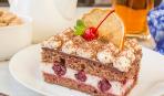 Шоколадное пирожное с вишней ко Дню всех влюбленных