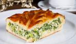 Пирог с луком и грибами на Бабий вечер
