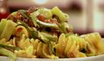 Салат с пастой карри