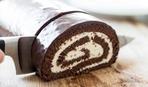 Шоколадный рулет с кокосовой начинкой (без выпечки)