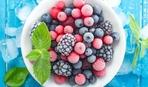 Как правильно разморозить ягоды и фрукты?