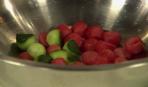 Салат-коктейль из арбуза с креветками