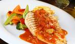 Форель в томатному соусі з овочами - Смачний світ з Євгеном Клопотенко