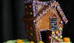 10 потрясающих идей пряничных домиков на Хэллоуин