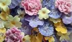 ТОП-10 идей десертов с засахаренными цветами
