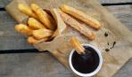 Вкусная идея к завтраку: чуррос с горячим шоколадом