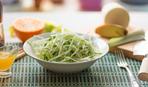 Быстрый салат с дайконом с добавлением соевого соуса