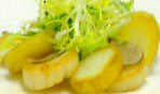 Салат из жареных гребешков с картофелем