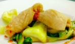 Жареные кальмары с китайской капустой и чили