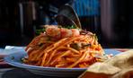 Спагетти с креветками и томатным соусом