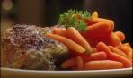Куриные бёдрышки с отварной морковью
