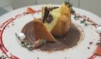 Что приготовить на десерт: кекс с шоколадной начинкой.