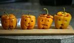 """Блюдо на Хеллоуин: запеченные перцы """"Светильник Джека"""""""