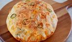 Хлеб с сыром и колбасой