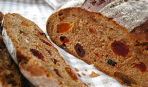 Хлеб ржаной с сухофруктами и орехами