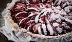 """Блюдо дня: открытый пирог с карамельными сливами """"Кармен"""""""
