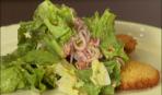 Курица по-милански с салатом