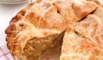 Пирог из слоеного теста с яблоками на Масленицу