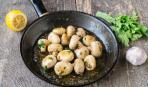 Жареные грибы с петрушкой и лимоном