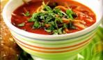 Томатный суп с макаронами и базиликом
