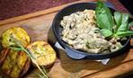 Мужу на ужин: говядина в сметанном соусе с бананами