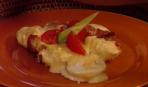Яйца с беконом в соусе «Бешамель»