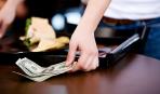 Кто должен оплачивать счет в ресторане, а кому не стоит об этом переживать