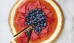 Новинка летней выпечки: творожный пирог с арбузом