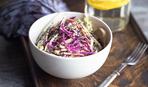 Салат Коул Слоу с маковым семенем, петрушкой и сельдереем по рецепту Гордона Рамзи