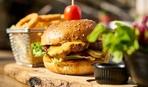 Гамбургеры с курицей и халлуми за 15 минут