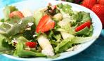 """Пикантный салат с куриной грудкой и фруктами """"Летний ужин"""""""