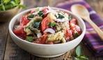 Готовим салат из свежих помидоров и печёных баклажанов