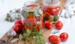 Пикантные помидоры с горчицей и травами