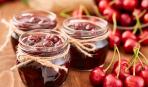 Приятный дуэт: вишнево-шелковичный джем