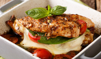 На быстрый ужин: курица под сырной шубой
